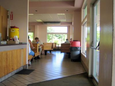 Freddy&#8217;s Eat-In area